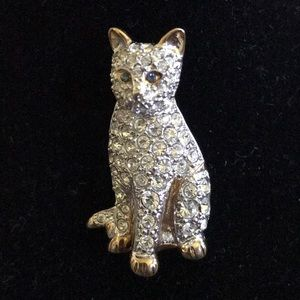 Vintage Carolee Rhinestone cat brooch green eyes